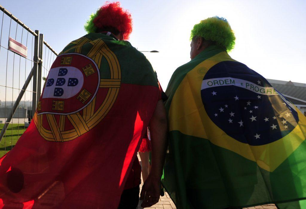 Durban(South Africa)Torcedores de diversas nacionalidades e sotaques assistiram ao empate entre Brasil e Portugal, em Durban, África do Sul