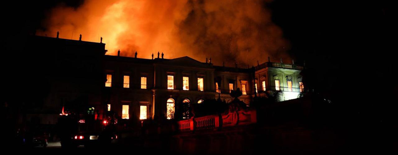 "ardeu o ""Museu da Língua"" brasileira"