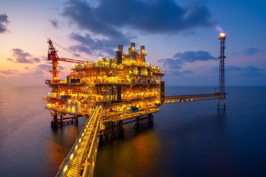 """Nos próximos quatro anos, Moçambique vai investir 50 mil milhões de dólares no desenvolvimento de um projeto de gás natural que visa tornar o país um dos cinco maiores produtores mundiais. Paranyu Pithayarungsarit [""""Expresso""""]"""