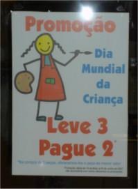 cartaz numa loja
